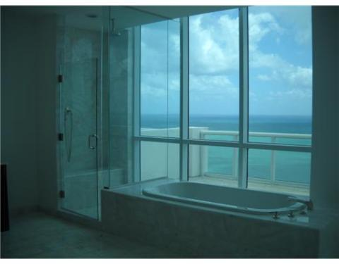 Continuum 2 South Beach condo