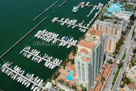Yacht Club South Beach condo